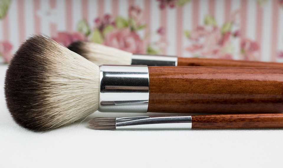 makeup-brush-1761929_960_720
